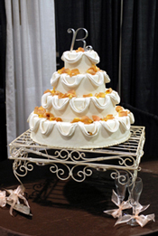 Fancy White Wire Cake Stand