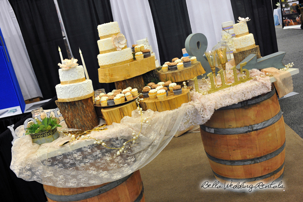 wedding cake table design with wood