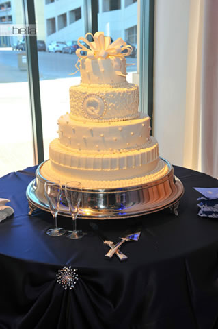 wedding cake table - wedding day - 2010