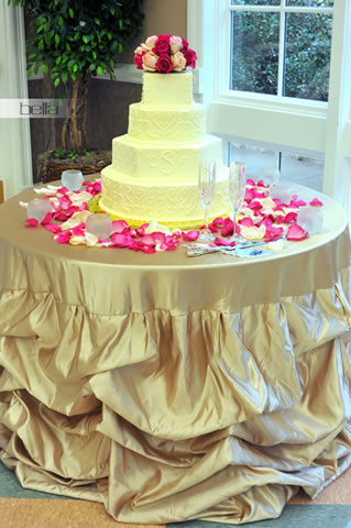 wedding cake table - wedding day - 2013