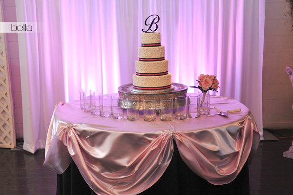 wedding cake table - wedding day - 2027