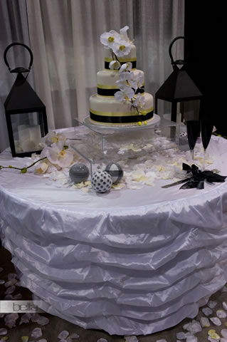 wedding cake table - wedding day - 2032