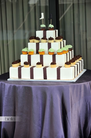 wedding cake table - wedding day - 2038