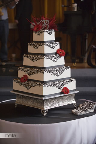 wedding cake table - wedding day - 2061