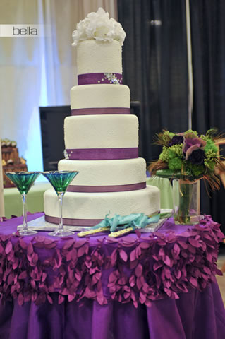 wedding cake table - wedding day - 2070