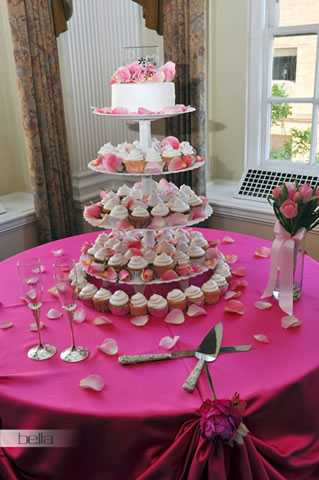 wedding cake table - wedding day - 2074