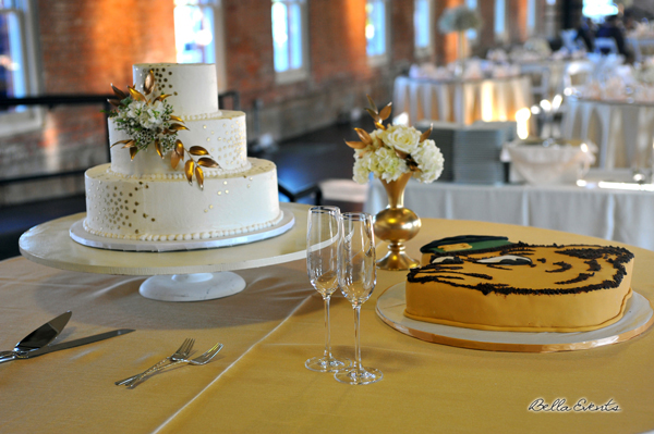wedding cake table - wedding day - 2086