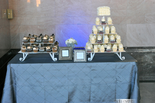 wedding cake table - wedding day - 2098