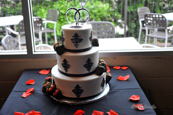 wedding cake table - wedding day - 2102