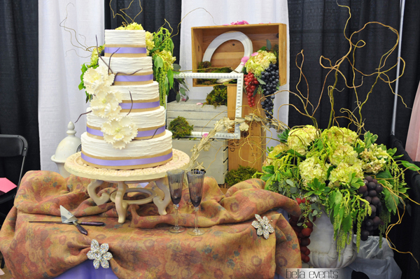 wedding cake table - wedding day - 2112