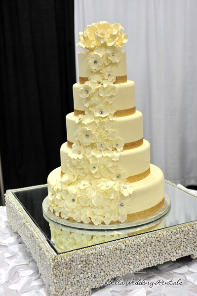 wedding cake table - wedding day - 2113