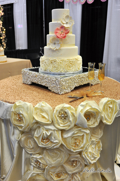 wedding cake table - wedding day - 2115