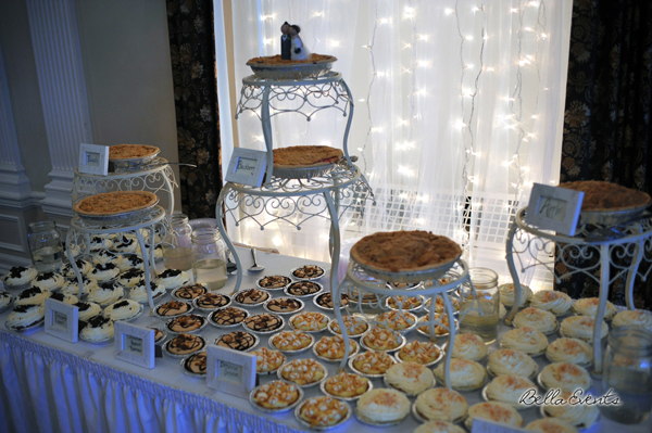 wedding cake table - wedding day - 2116